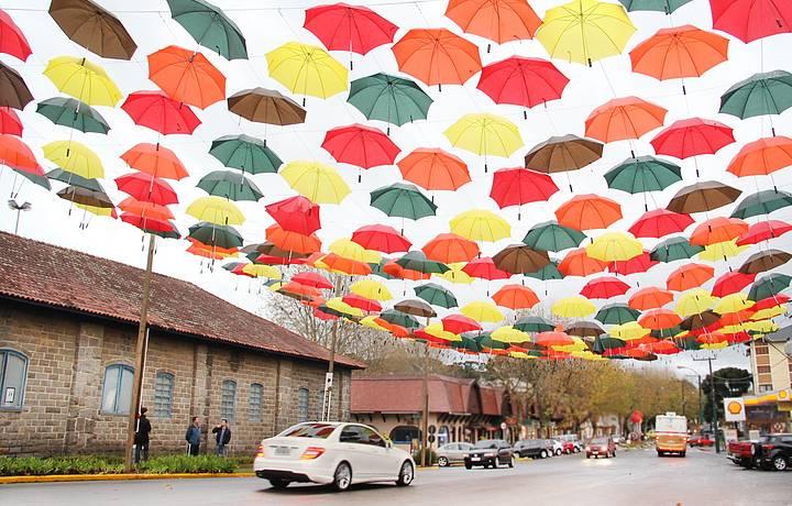 Cidade ganha decoração especial no inverno
