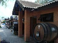 Largo do Taboão, vinhos e artesanatos
