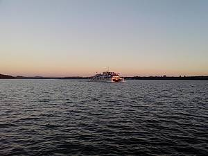 Passeio de catamar� no Lago de Itaipu