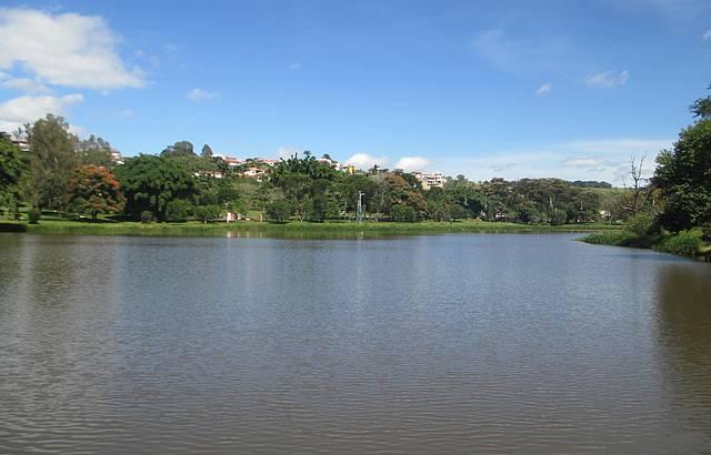 Lago do Parque das Águas