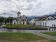 Centro histórico no final da tarde.