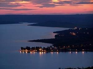 Lago de Três Marias: Do mirante, observa-se a imensidão de águas -