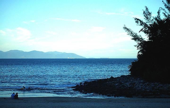 O fim de tarde é perfeito na Praia Brava