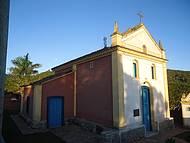 Pitoresca, fica próxima ao centro da vila