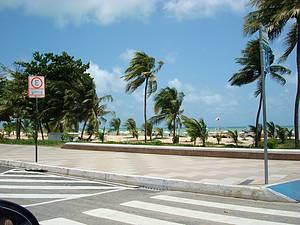 Vista da praia pelo Busto de Tamandaré