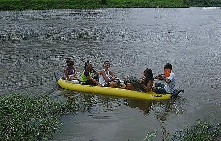 Cachoeira do Cleandro (do Engenho) - Passeio de canoa leva à cachoeira do Cleandro