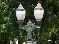 Detalhe da iluminação na praça Osório