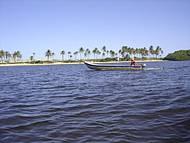 O caminho de barco para a Barra vale a pena pelo visual