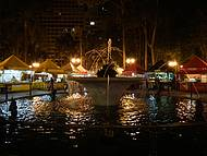Curitiba by night - Feirinha da Praça Osório