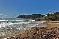 Praia é cenário de campeonatos de surf