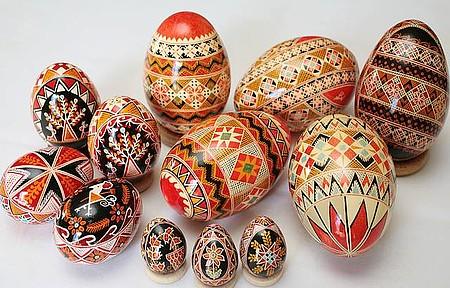 Compras - Artesanato ucraniano é típico da capital paranaense