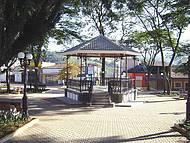 Praça Comendador Martins (Centro)