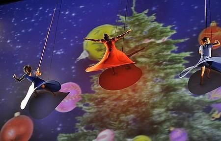 Espetáculo de Natal - Shows de acrobacias, cores e luzes contam histórias da vida de Jesus
