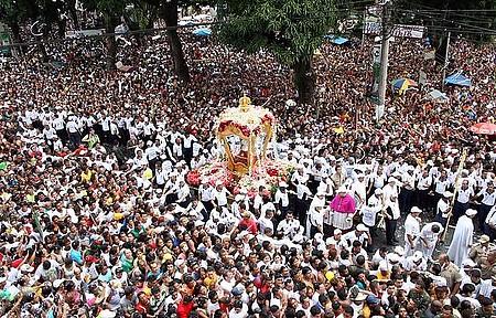 Círio de Nazaré - Festa reúne uma multidão pelas ruas