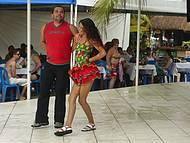 Apresentação de danças típicas.