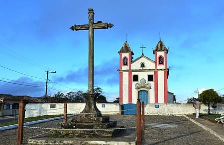 Igreja de NS dos Prazeres - Cenário típico de Minas