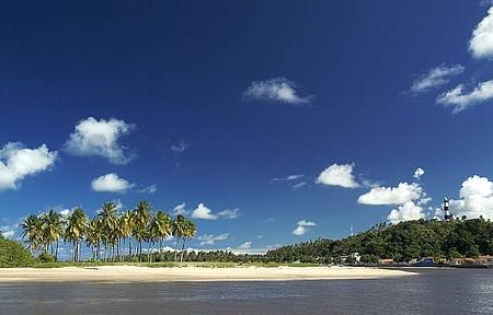Farol & Mirante - Rio, mar, coqueiros e farol
