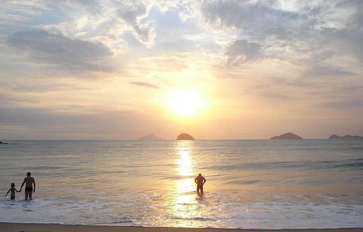 P�r do sol, � o mais lindo do mundo, s� quem viu pra saber o doce encanto.