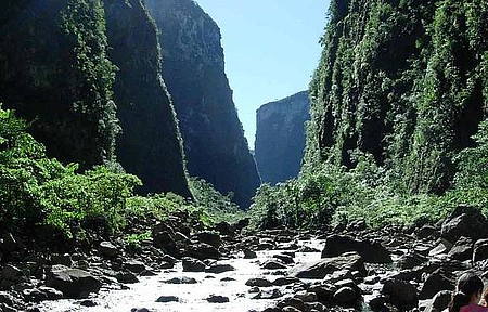 Parque Nacional de Aparados da Serra (Cânion Itaimbezinho) - Vista Geral do Canion