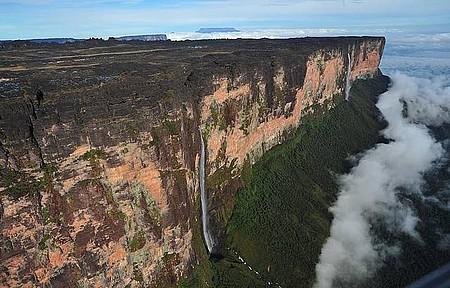 Monte Roraima (RR) de helicóptero - Paisagem é de tirar o fôlego