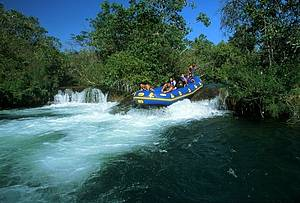 Bote no Rio Formoso: Adrenalina e aventura garantidas!<br>
