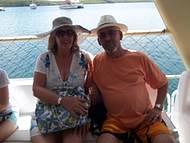 Eu e minha esposa Rosangela no Catamarã