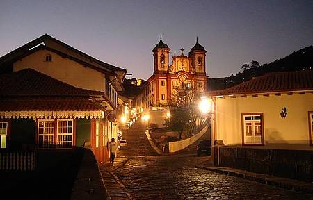 Matriz Nossa Senhora da Conceição - Vista noturna da igreja da Conceição
