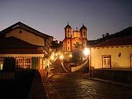 Vista noturna da igreja da Conceição