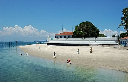 Fortaleza de São Lourenço - Construção colonial preservada enfeita paisagem