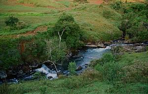 Cachoeira Vô Delfim: Queda fica no bairro do Jardim, repleto de atrações -