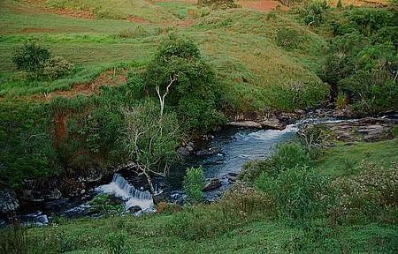Cachoeira Vô Delfim - Queda fica no bairro do Jardim, repleto de atrações