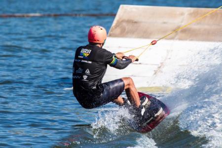 Naga Cable Park: aventura pertinho de Campinas (SP) - Wakeboard para iniciantes e experientes