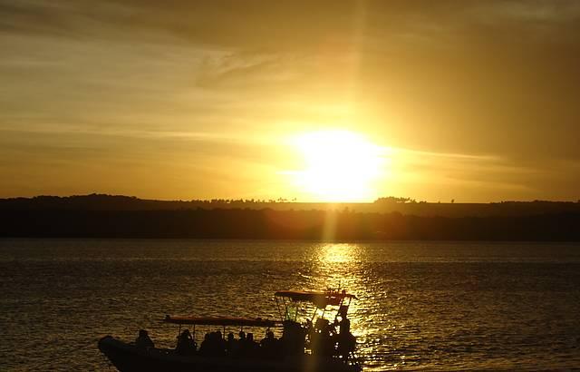 Pôr-do-Sol na Praia do Jacaré ouvindo Jurandyr com o sax