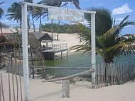 Durante o passeio de Buggy é possível tomar um banho de bica e comer um peixe.