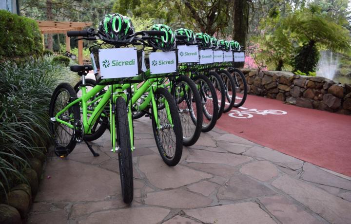 Bikes estão à disposição para aluguel