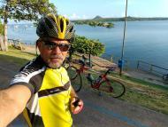 Passeio ciclístico na praia Alter do Chão