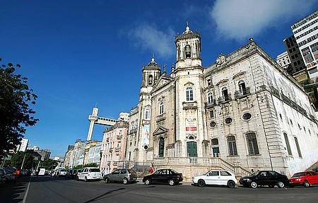 Igreja é palco de uma das principais festas da parte baixa da cidade