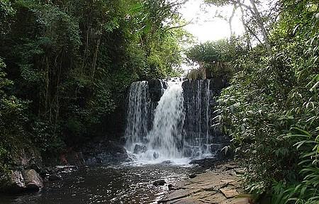Serra do Japi - Trilhas levam a cachoeiras e piscinas naturais