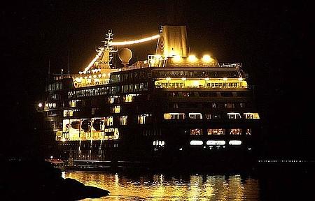 Navio Desembarcando - Búzios Recebe Vários Navios na Alta Temporada