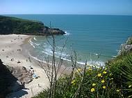 1fd2c097ed54d Morro da Guarita enfeita a praia  Passeio a pé