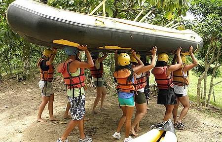 Praticar esportes de aventura - Passeio de Rafting