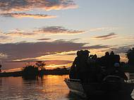Pôr do sol visto do barco