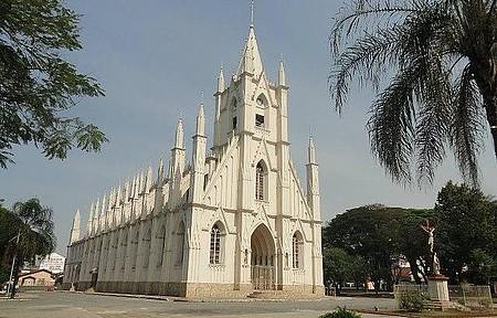 Santuario de Santa Terezinha - Muito bonita e charmosa