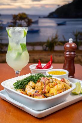 No Anexo Bar, a feijoada ganha versão com frutos do mar