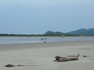 Icapara - Praia do Leste - Praia do Leste com vista do pontal norte da Ilha Comprida