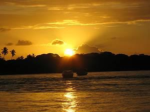 Pôr do sol no rio do Inferno: Espetáculo perfeito no rio do Inferno -