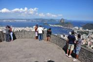 Turistas e cariocas marcam presença no Mirante Dona Marta