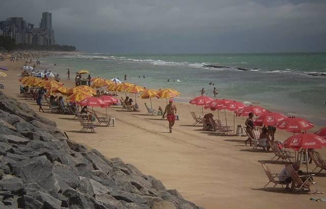 A Agitada Praia de Boa Viagem no Recife
