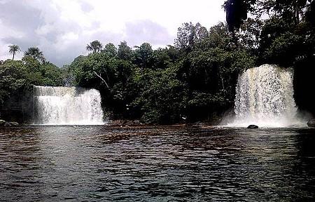 Itapecuru - Cachoeiras gêmeas são movimentadas no feriado