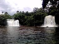 Cachoeiras gêmeas são movimentadas no feriado